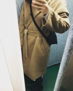 【洋服と持ち物】ミニマリストな私の幼稚園クリスマス会コーディネートとバックの中身。